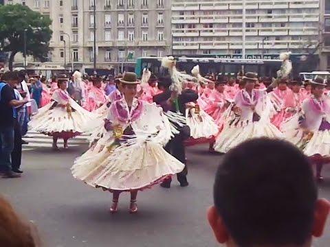 Plaza de Mayo 2014. Entreda folklorica integración Boliviana Argentina.