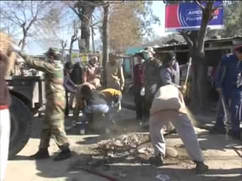 Army officials, civilians take up 'Clean India' mission in Jammu and Kashmir