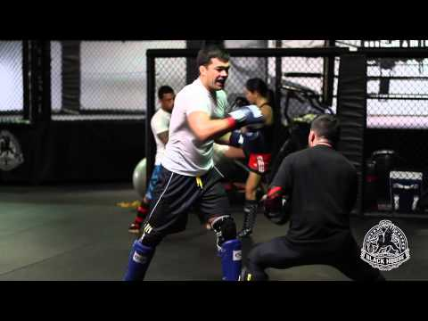 Black House MMA : Striking Drills with Lyoto Machida and Pedro Munhoz
