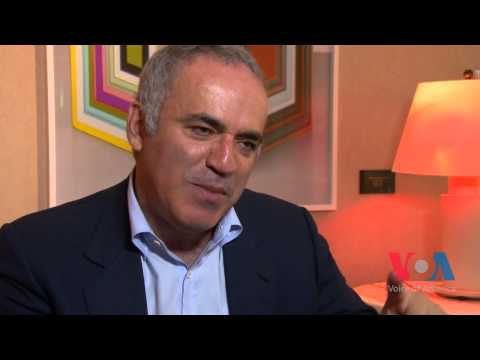 Garry Kasparov Says Putin's Propaganda is Powerful but Economy is Russia's Achilles Heel