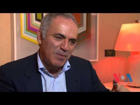 Garry Kasparov Says Putin's Propaganda is Powerful but Economy is Russia's Achilles Heel
