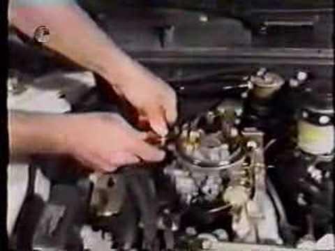 A la parada del motor huele la gasolina