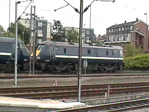 Hi in this video we see a class 91 running flat end first which is quite a rare sight at York because the DVT had broken down (I'm not sure how though) and 9...