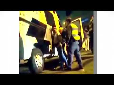 Policial Agredindo Camelô