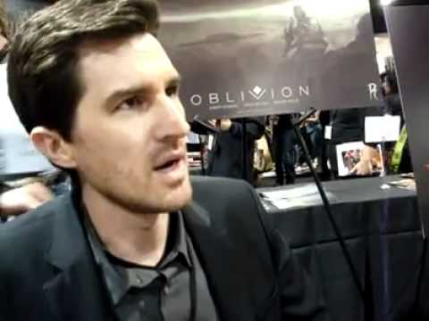 Joseph Kosinski (Tron) Talks About His Book OBLIVION