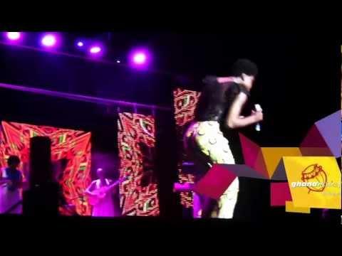 Becca dances 'Adowa' - Becca dances 'Adowa'
