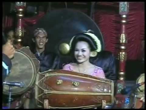 Srihuning Kendang Rini,by.campursari Tokek Sekar Mayank(call:+628122598859) video