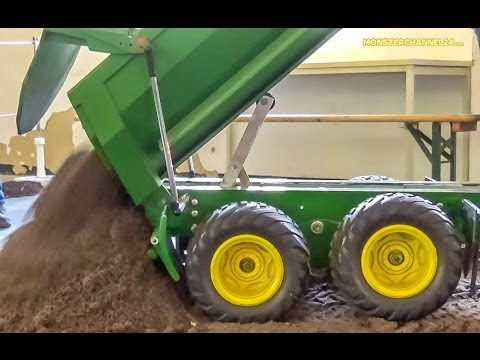 RC John Deere Tractor BIG Tipper ACTION!