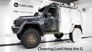 Cleaning Lord Hans the G