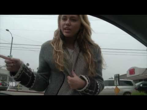 Miley Cyrus Shouts at Paparazzi!
