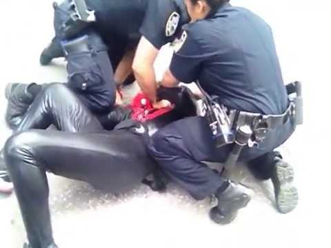 Exclusive video from The New York Post of Spider-Man's scuffle with police klip izle