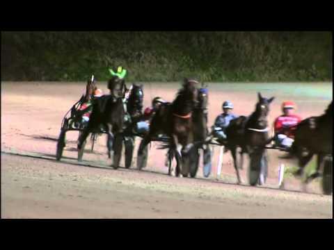 Vidéo de la course PMU PRIX ATHENA D'HOA (TROTTEURS FRANCAIS BRONZE CHALLENGE)