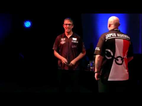 Jamie Hughes FORGETS his Darts! - 2017 BDO World Trophy