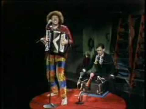 Weird Al Yankovic - Another One Rides The Bus