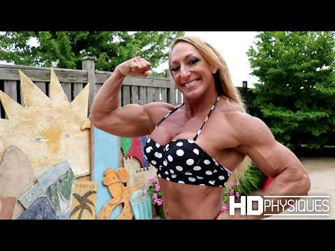 HUGE FEMALE MUSCLE - HDPhysiques presents Mary Cain