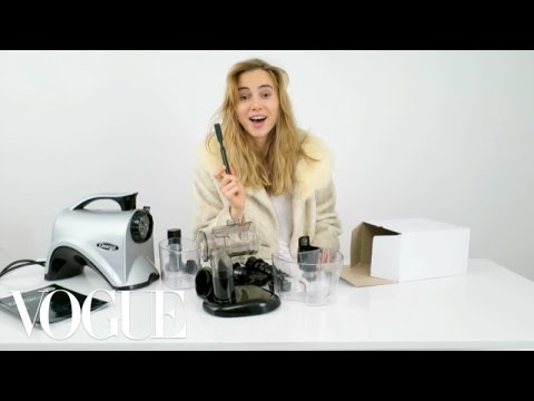 Suki Waterhouse Unboxes the Ultimate Juicer - Vogue
