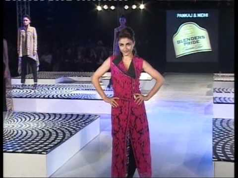 Soha Ali Khan scared of falling on fashion ramp! Nervous!