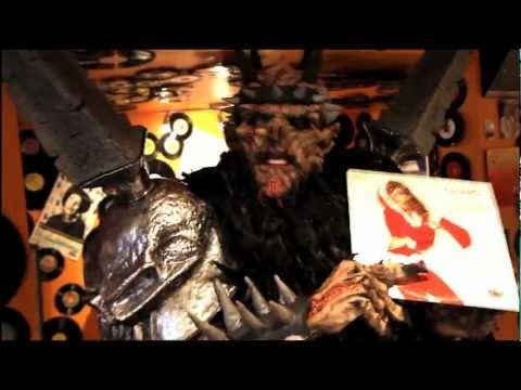 GWAR's Oderus Urungus record shopping at DC's Som Records