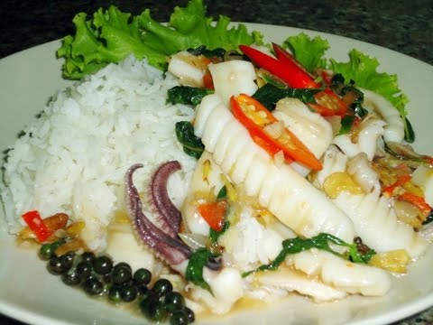 0 Thai Food Cooking Tutorial: Phad Cha! (with Pla Muek)