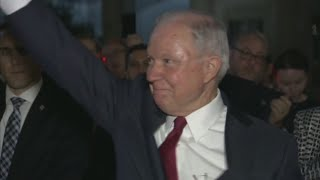 VIDEO: Jeff Sessions exits Department of Justice building to applause