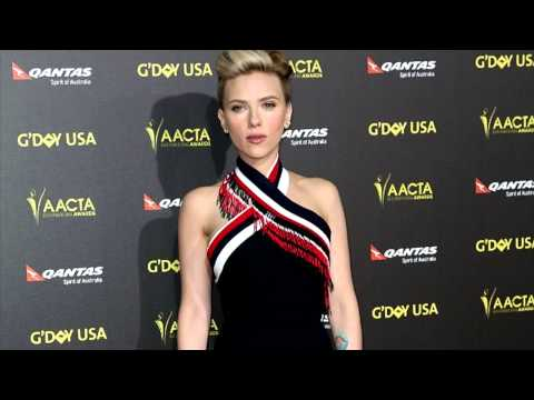 Scarlett Johansson Flaunts Skinny Post-Baby Body 4 Months After Giving Birth