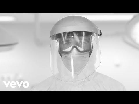 Vetusta Morla - Los Abrazos Prohibidos feat Joaquin Sabina, Leiva, Kase.O, Rozalén...