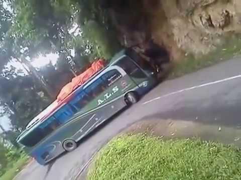 Bus ALS Gak Kuat Nanjak Di Tanjakan  Kelok Seribu Sumatra Barat