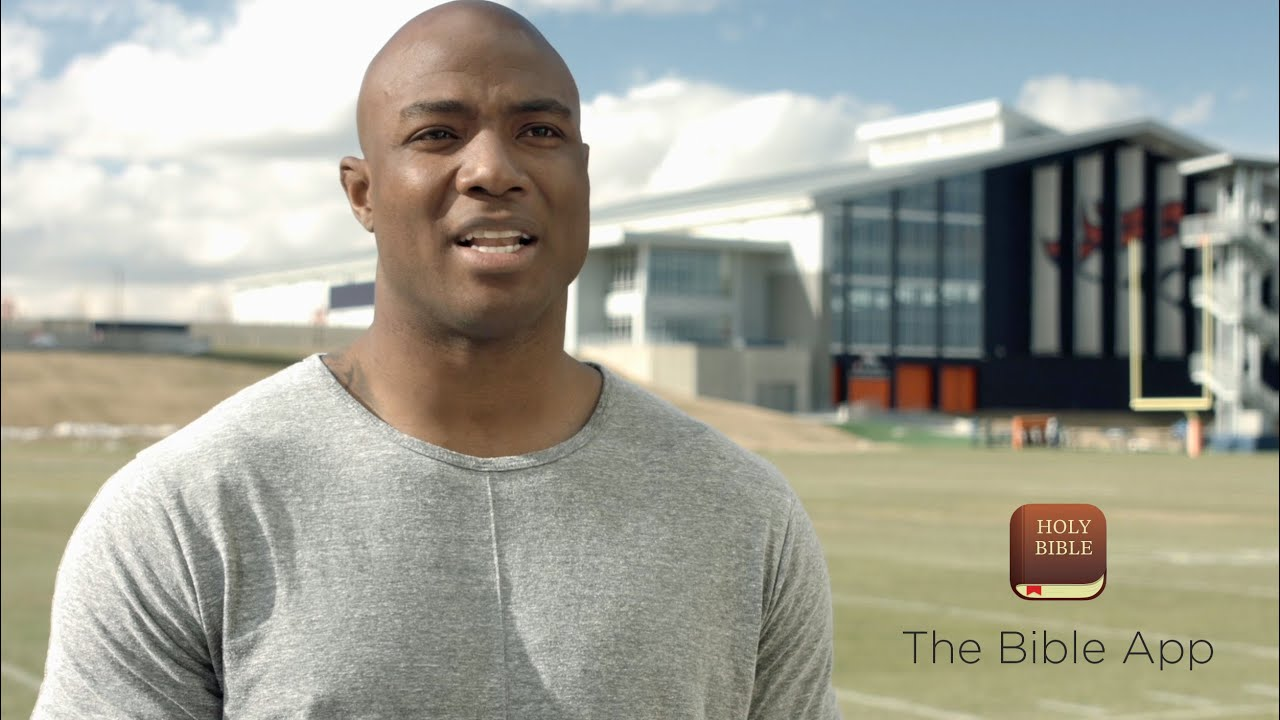 America's top football players share why they love the Bible App - YouVersion