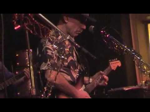Papa George/Bobby Tench (BarnesBluesBand) Cold Shot Part 1