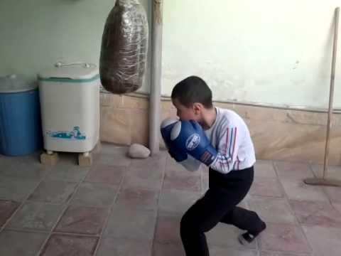 Gələcəyin Kick boksçusu olan uşaq  - Azərbaycanlı !! Halaldi !