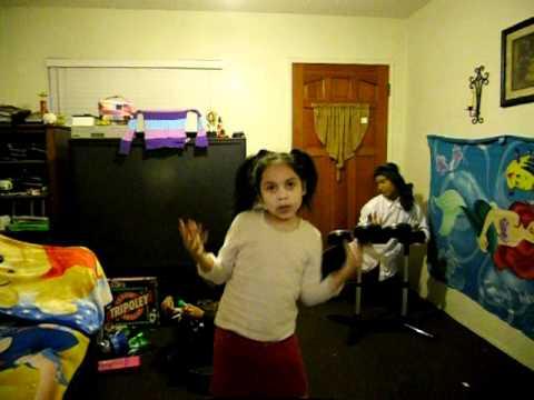 Yo Tengo Mi Pon Pon - Me Llamo Maria (parodia) video