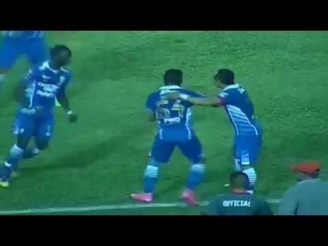 Persib Bandung BANTAI..  Pusamania Borneo FC 2 1   SPORTS on Vidio