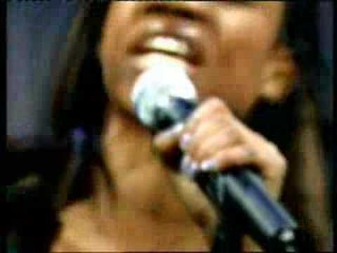 Beverley Knight - No Man's Land live acoustic Loose Women 01