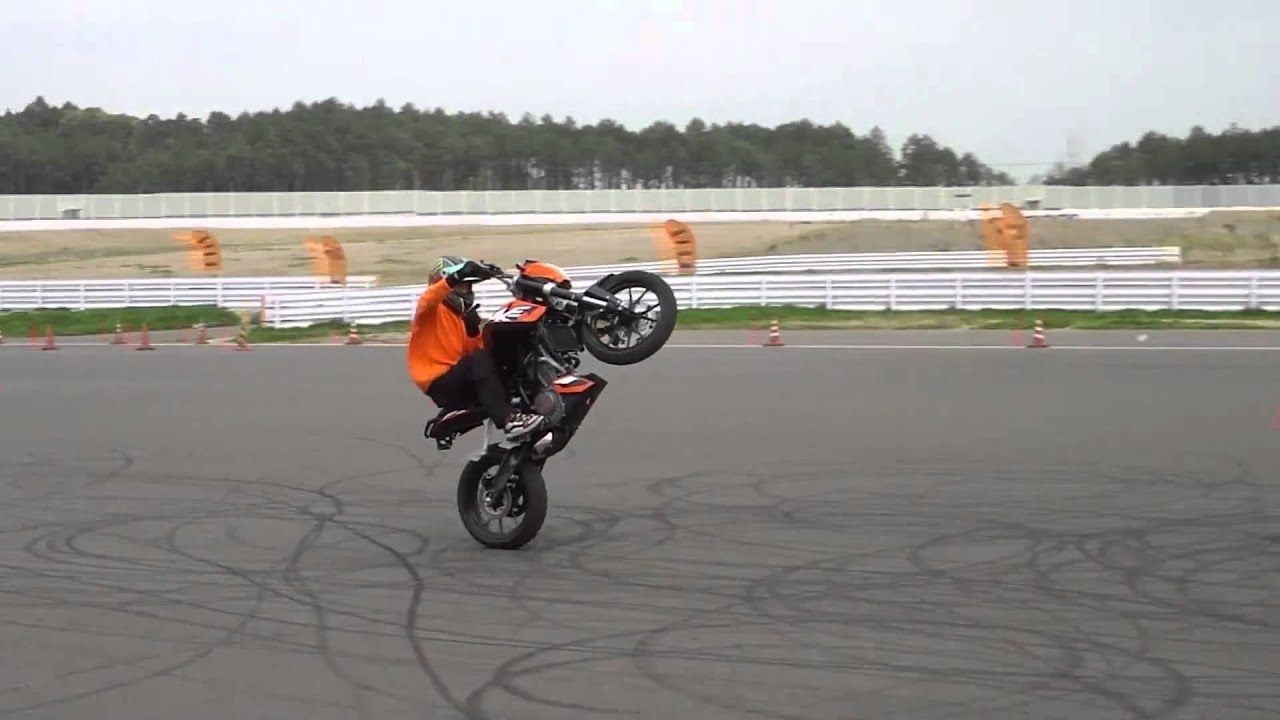Bike Stunts Videos Youtube KTM DUKE BIKE STUNTS