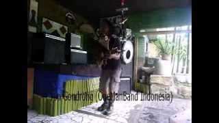 Indonesia 39 S Got Talent Senyum Trotoar Yon Gondrong Onemanband