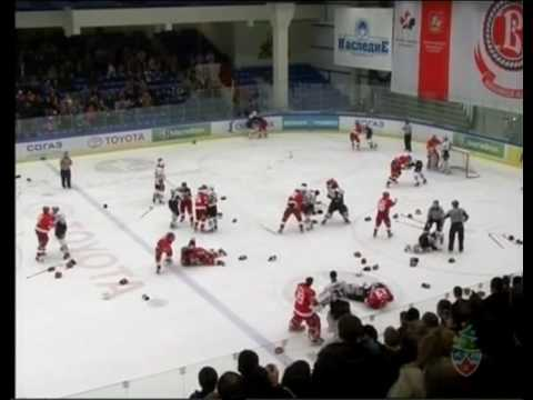 Драка в матче Витязь - Авангард [2010 г., Хоккей, TVRip].avi