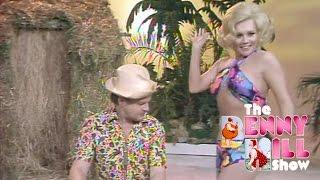 Benny Hill - Beach of Waikiki (1975)