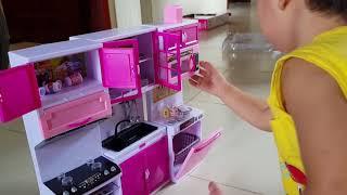 Bé Tin Làm Bếp - Đồ Chơi Trẻ Em Tủ Bếp, Nhà Bếp Cho Bé Tập Nấu Ăn / Kids Toy Media