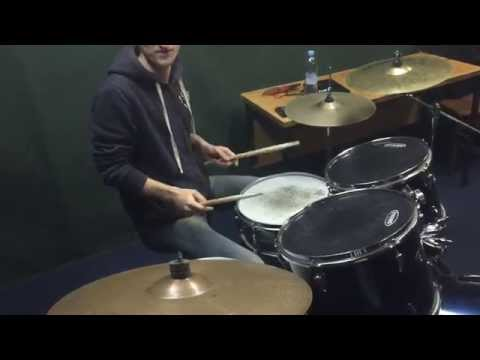 Разминка барабанщика.