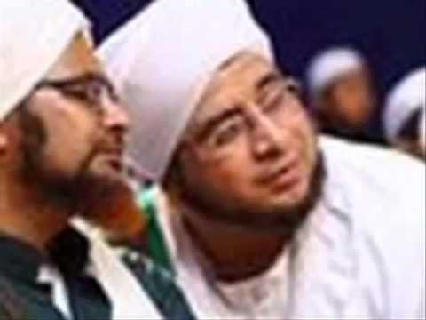 Sholatun Bissalamil Mubin - Habib Syech-youtube video