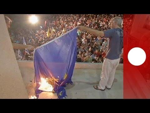 Manifestation à Athènes après la fermeture de la télévision publique