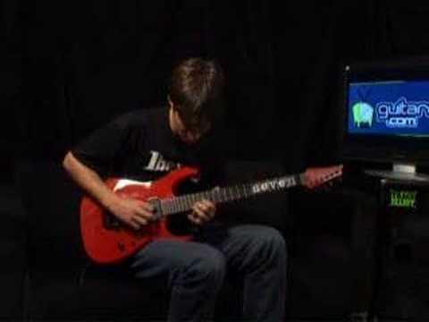 www.GuitareTV.com present the guitar Ibanez Mick Thomson