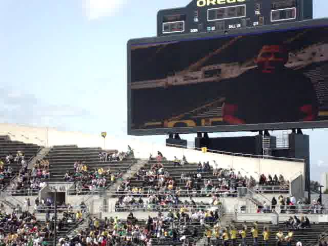 Message to fans from LaMichael James on big screen at Oregon spring game 4-28-2012