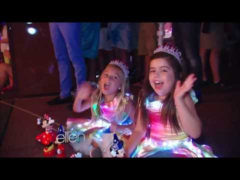Download Lagu Sophia Grace and Rosie at Disney World! MP3 Free