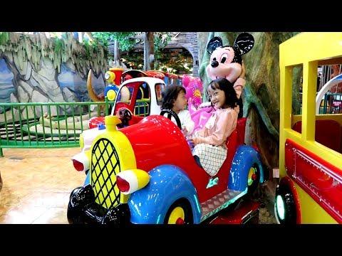 Bermain di Fun World Playground ❤ Naik Ayunan DINO SWING, Kuda-kudaan CAROUSEL, Mobil Odong-odong
