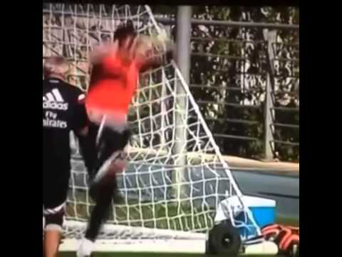 Keylor Navas vs Iker Casillas in Real Madrid training.