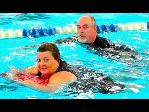 Grandma-tard & Grandpa-tard Go Swimming!!! video