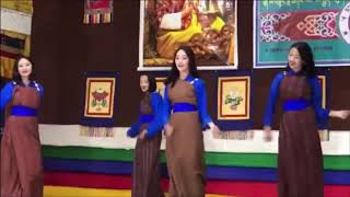 """Nga Ga wai Butshu"" dance by High School girls"