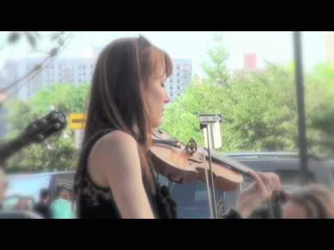Beautiful violinist Hannah Thiem in 2010 make music new york(1/2)----new york videodyssey(103)