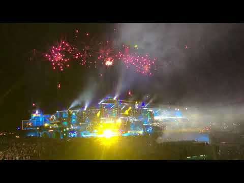 Dimitri Vegas & Like Mike Tribute To Avicii at @Tomorrowland 2019